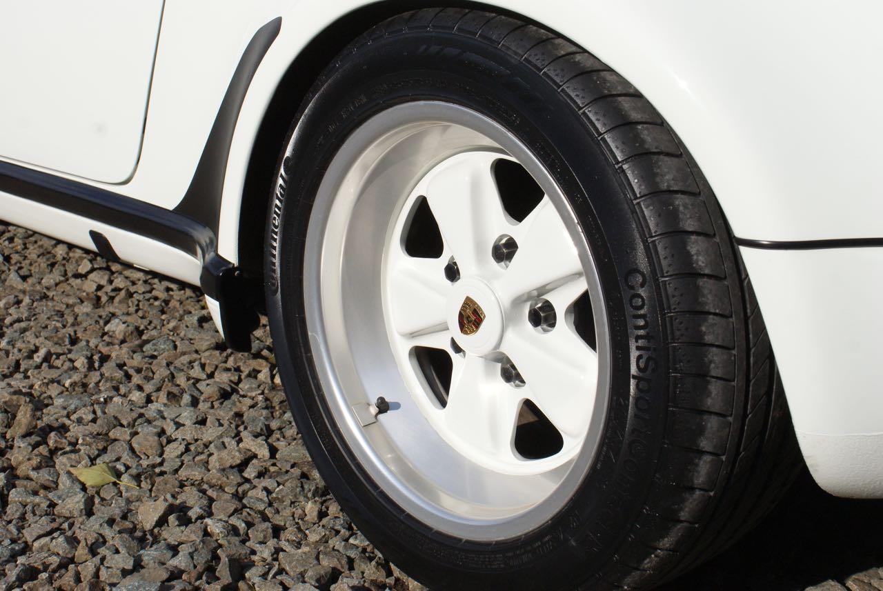911-youngtimer-911-Speedster-1989-Grand-Prix-white-10-of-20