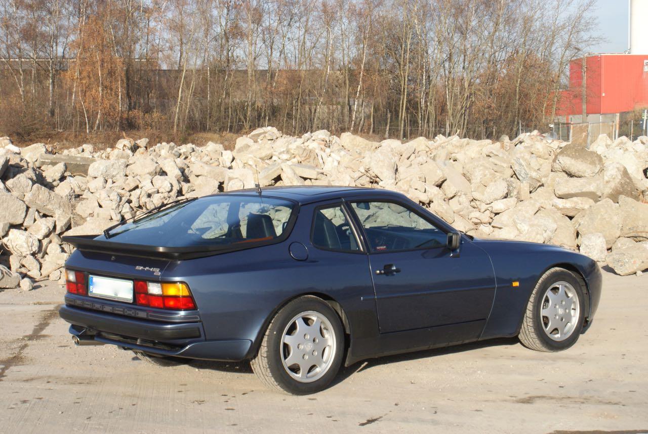 911-youngtimer-porsche-944-s2-dove-blue-metallic-1990-6-of-15