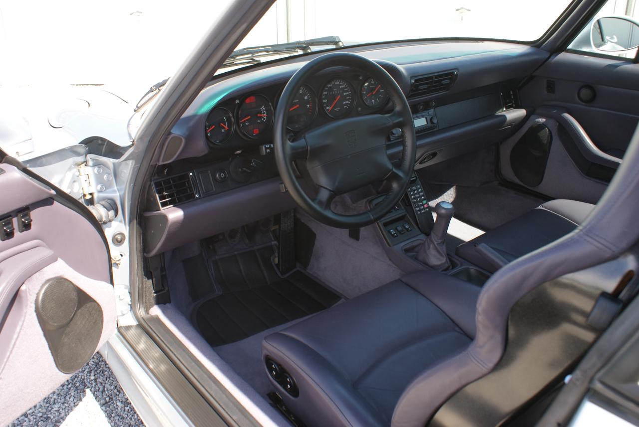 911-youngtimer-Porsche-993-turbo-Polar-silver-1997-14-of-15.jpg