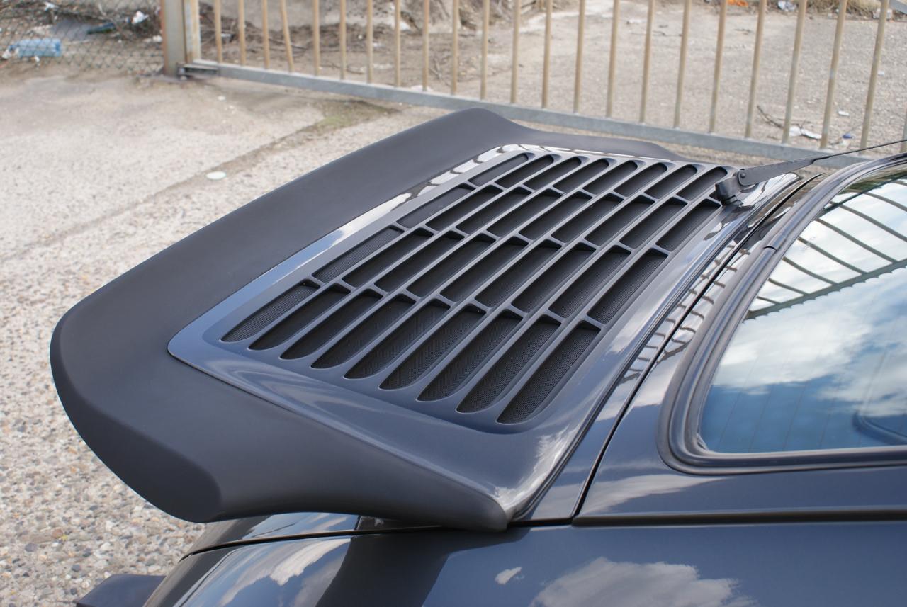 911-youngtimer-Porsche-911-Carrera-Slate-Cashmere-1989-3-of-15