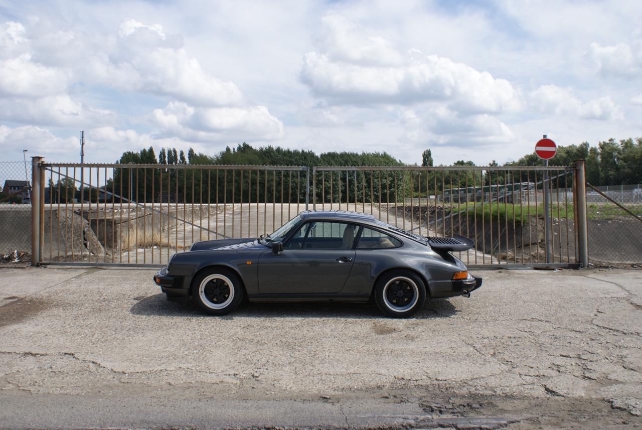 911-youngtimer-Porsche-911-Carrera-Slate-Cashmere-1989-7-of-15