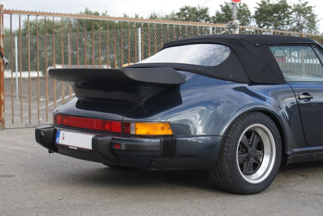 911-youngtimer-Porsche-911-Carrera-WTL-Marine-Blue-metallic-1988-10-of-16.jpg