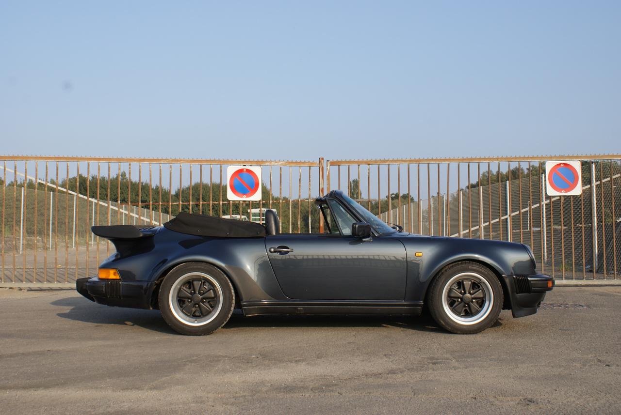 911-youngtimer-Porsche-911-Carrera-WTL-Marine-Blue-metallic-1988-11-of-16.jpg