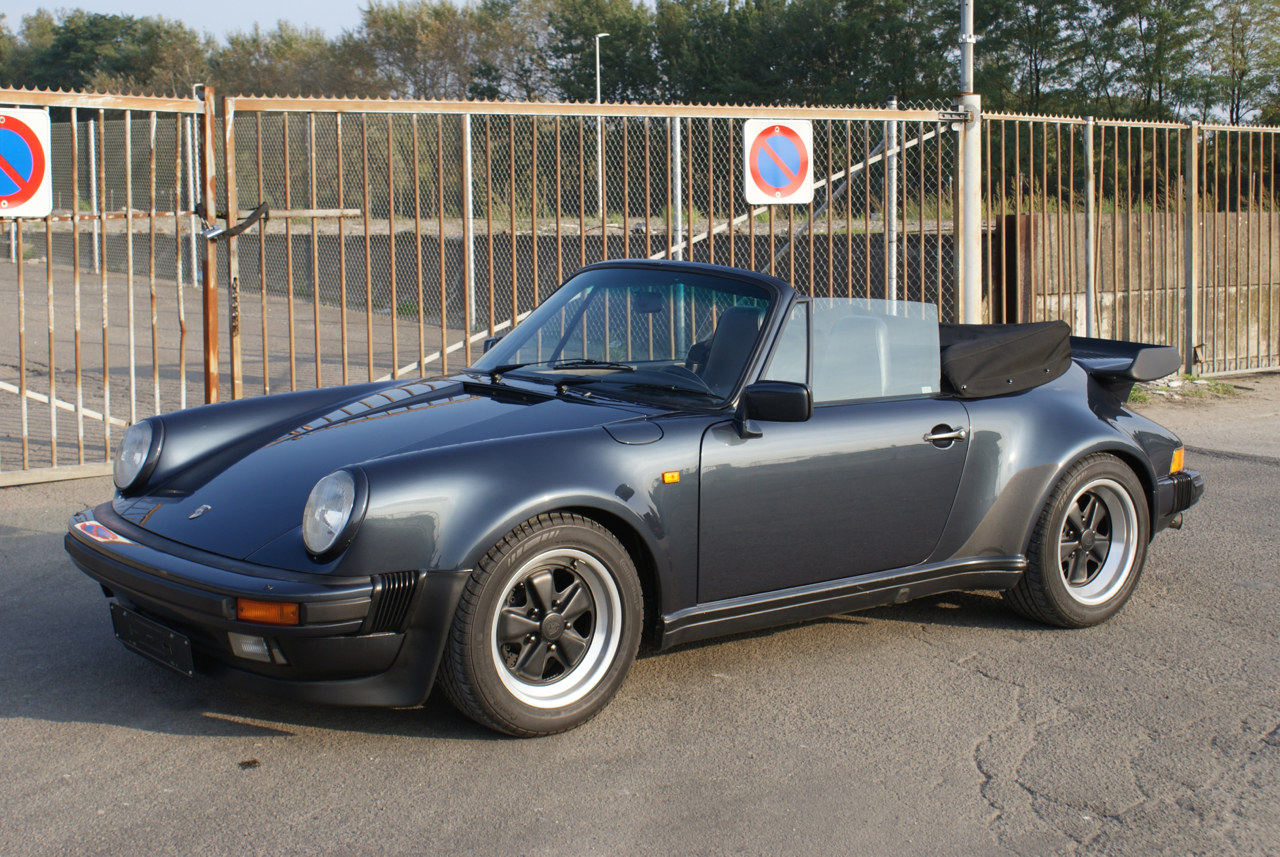 911-youngtimer-Porsche-911-Carrera-WTL-Marine-Blue-metallic-1988-6-of-16.jpg