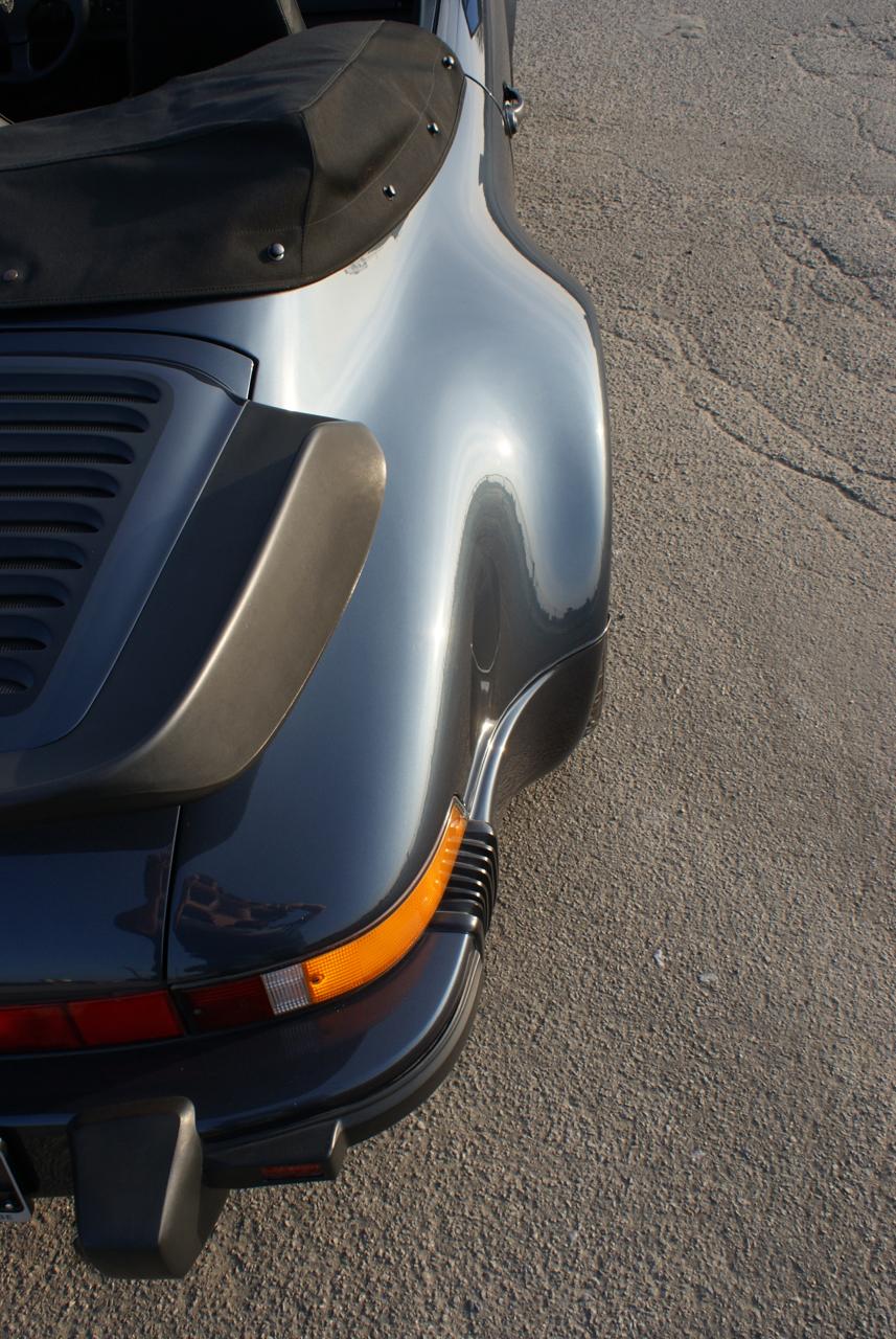 911-youngtimer-Porsche-911-Carrera-WTL-Marine-Blue-metallic-1988-9-of-16.jpg