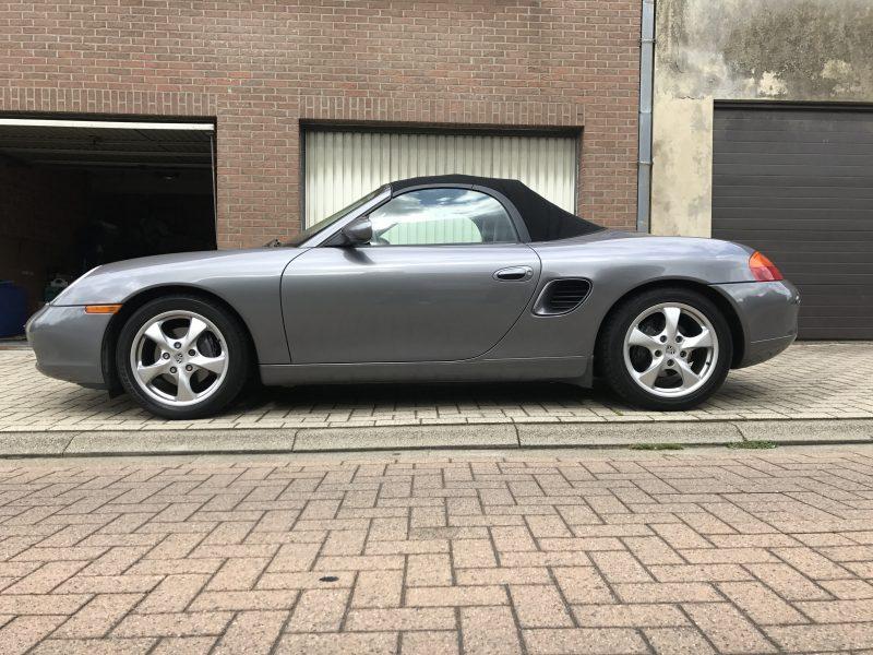 911 youngtimer - Porsche 986 Boxter 2,7L - Seal Grey metallic - 2001 - 1 of 2
