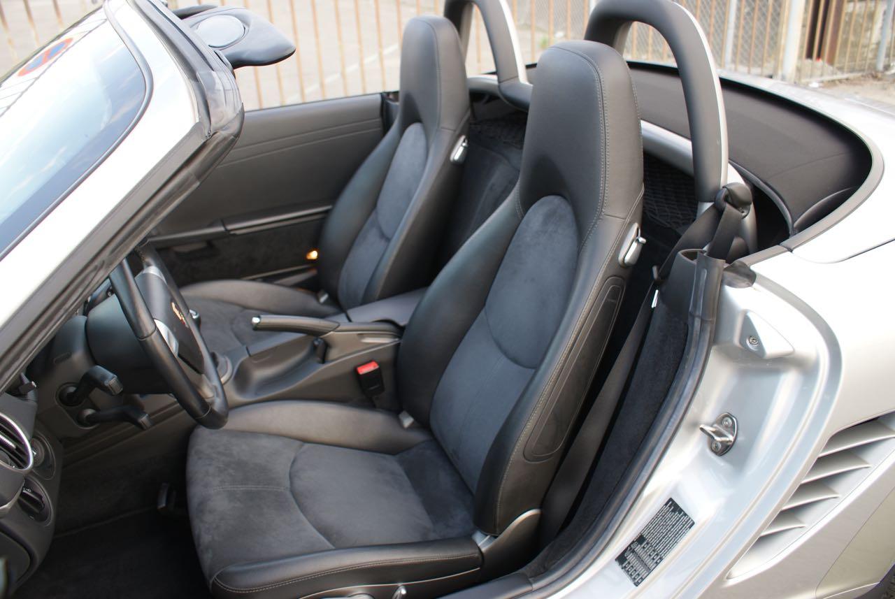 911 youngtimer - Porsche 987 Boxster - Arctic Silver - 2006 - 12 of 15