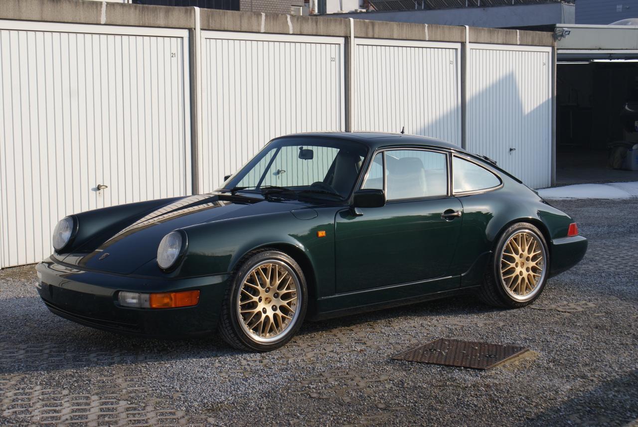 911 youngtimer - Porsche 964 Carrera 4 - Forest Green - 1989